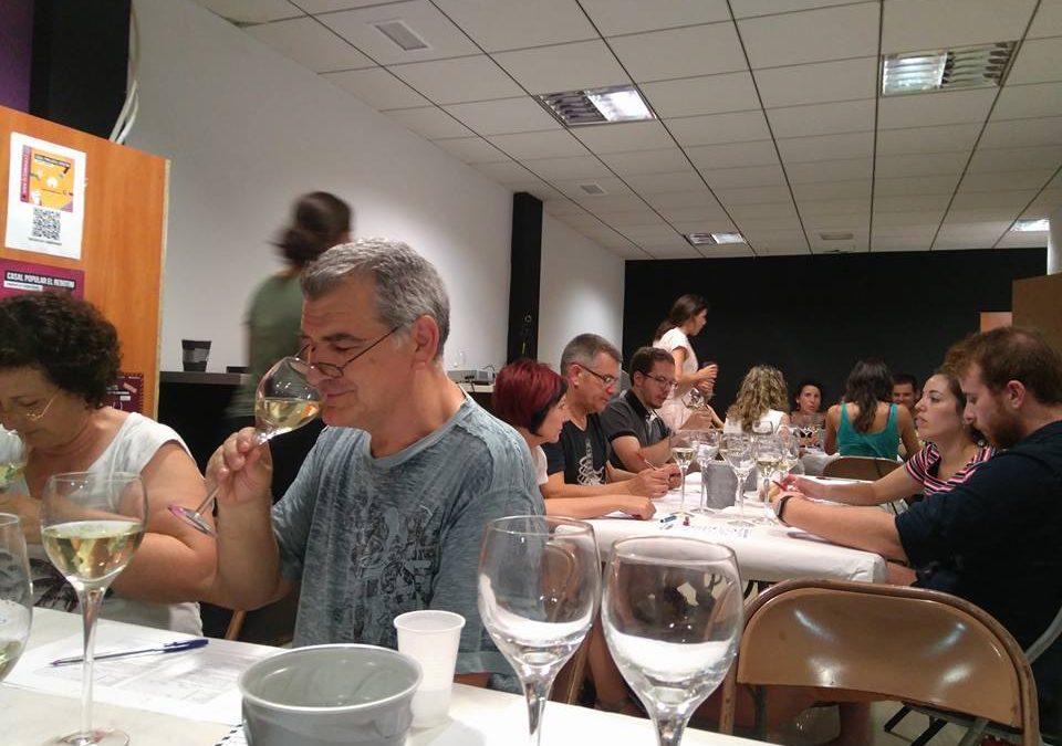 El Casal Popular El Rebotim organitza un tast de vins al seu nou local